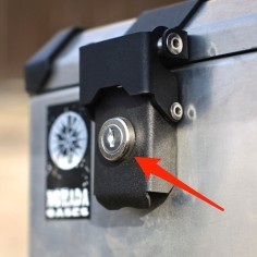 locks with mounting on the panniers